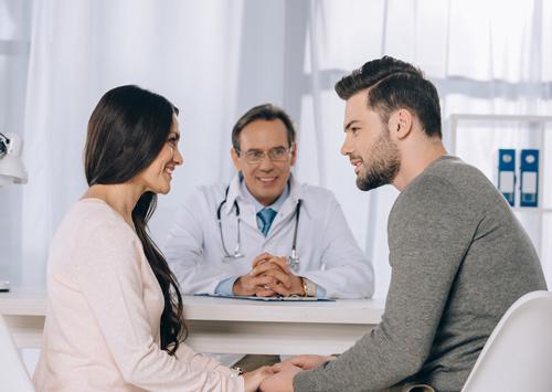 مشاوره و معاینه پیش از بارداری